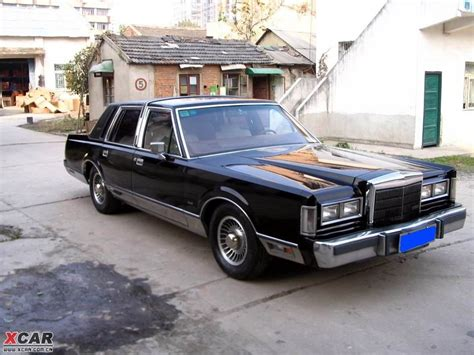LINCOLN TOWN CAR - 147px Image #1