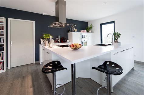 vendeur cuisine réalisation d 39 une cuisine avec plan de travail duropal par aspezia cuisines agen aspezia