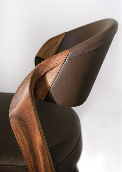 chaise noyer designer spin chair by martin ballendat in walnut