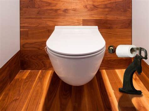 Deco Toilette Original Avec Pièces De Voiture Décoration