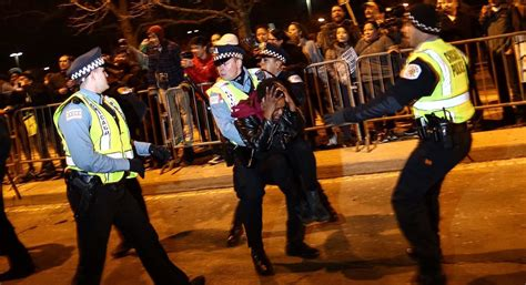 trump rally police chicago scenes politico chaos fight donald protests am postponed woman