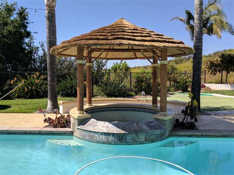 african reed palapa  built  couple weeks    spa