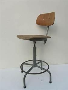 Chaise Bureau Industriel : chaise de bureau pivotante industrielle en vente sur pamono ~ Teatrodelosmanantiales.com Idées de Décoration