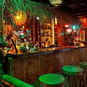 Best 25+ Tiki bars ideas on Pinterest Outdoor tiki bar