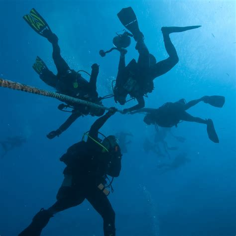 How To Scuba Dive - learn to dive in the florida islamorada dive
