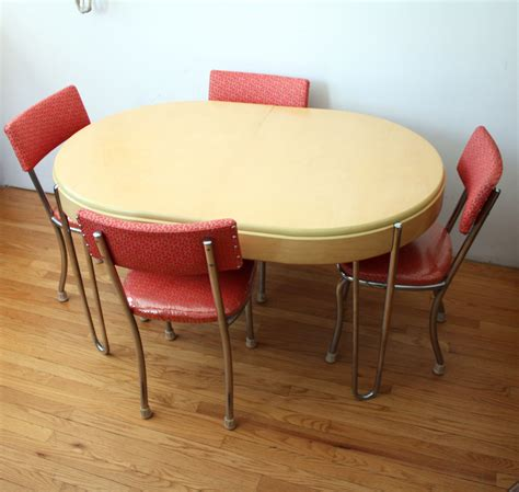 maple retro table chairs 001 manly vintage