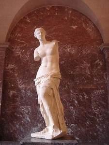 La venus de Milo - Picture of Musee du Louvre, Paris ...