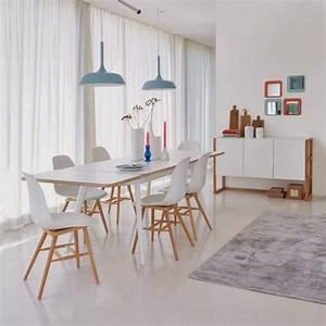 Une table de repas style scandinave joli place for Deco cuisine pour table ronde bois blanc avec rallonge