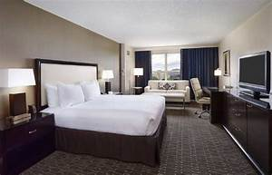 Hilton alexandria old town updated 2017 prices hotel for Hotel room with sofa bed