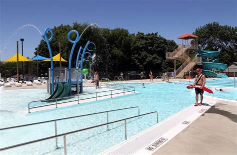Illinois Licensing Pools, Beaches As Swimming Season Starts