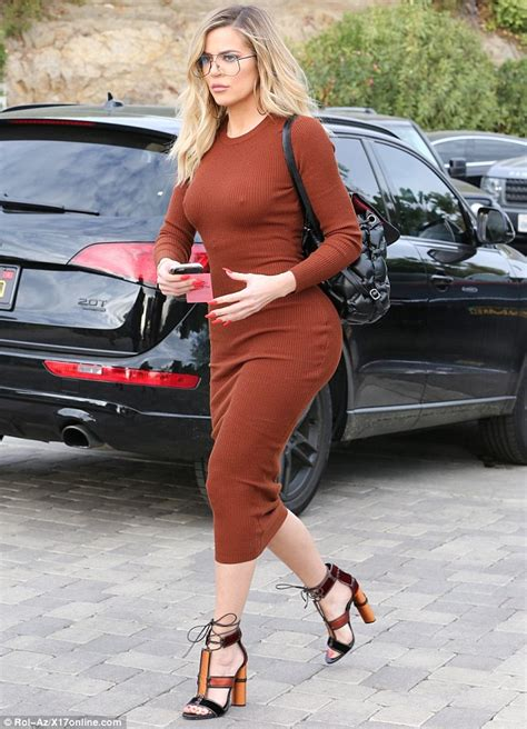 Khloe Kardashian puts her curvaceous body on display ...