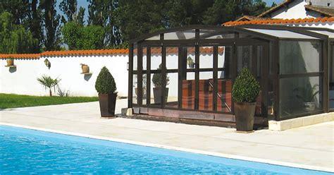 construire spa exterieur trendy le ver luisant inspecte le mcanisme duun spa with