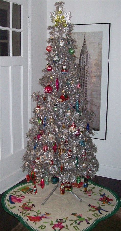 awesome silver  white christmas tree decorating