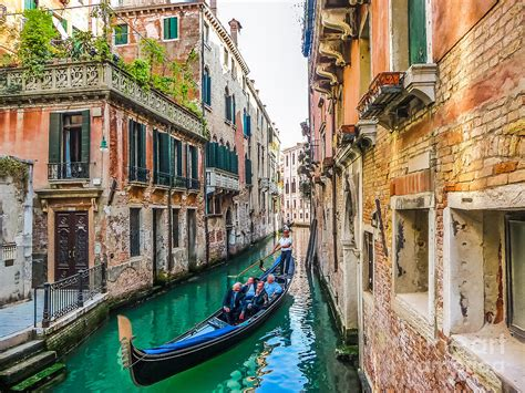 romantic gondola scene  canal  venice photograph  jr