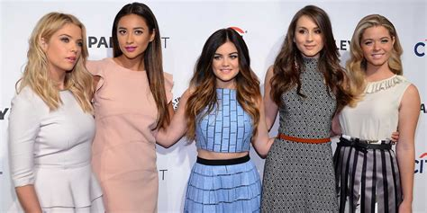 Pretty Little Liars 2014 Special by Abc Teases Pretty Little Liars Christmas Special How The