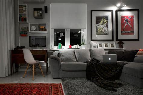 compact bachelor pad captures    details