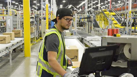 amazon put   massive hub  coppell  employ