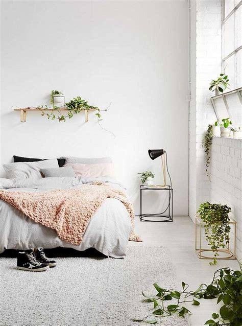plante verte chambre coucher déco thème printemps focus sur les idées de relooking