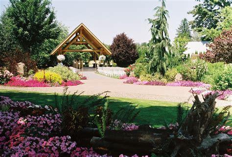 oregon garden wedding log house garden outdoor wedding venue pictures