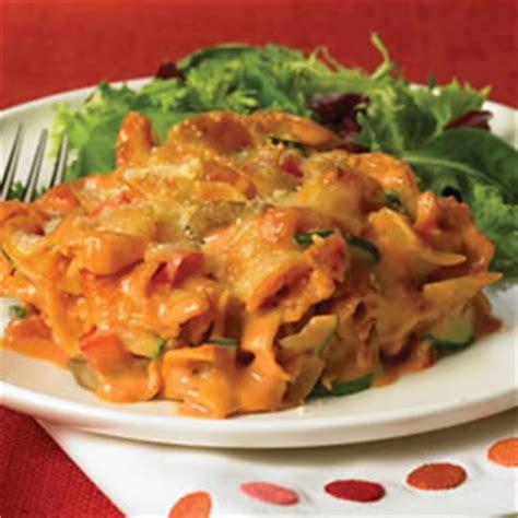 recette pates au four recette de casserole de p 226 tes au four plats principaux pour le souper lait carnation