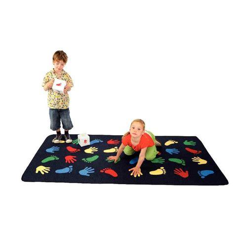 tapis de jeu bebe geant tapis de sol g 233 ant 200x100 cm motricit 233 pieds et mains house of tapis de jeu sur planet