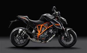 Ktm Super Duke R : video the genesis of the ktm 1290 super duke r asphalt rubber ~ Medecine-chirurgie-esthetiques.com Avis de Voitures