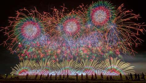 stunning images showcase japans amazing fireworks
