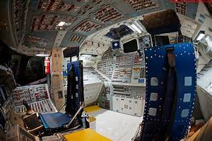 Daily Lazy: Space Shuttle Cockpit
