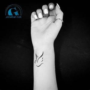 Tatouage Oiseau Homme : tatouage poignet graphicaderme ~ Melissatoandfro.com Idées de Décoration