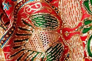 Famous Indian Embroidery StylesChikankari, Zardosi