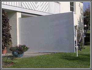 seiten sichtschutz balkon markise balkon house und With markise balkon mit braun weiße tapete