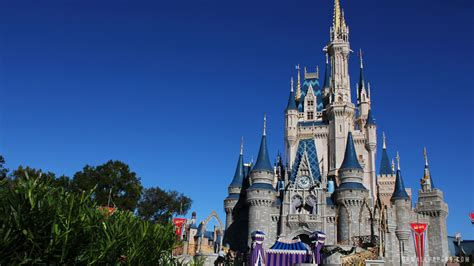 Disney World Castle Wallpaper by Walt Disney World Hd Wallpaper 71 Images