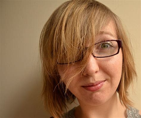 Women's Hairstyles: Fabulous Messy Short Blonde Haircut