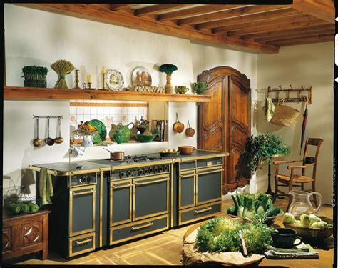 piano de cuisine godin cuisine ancienne bois table ancienne de