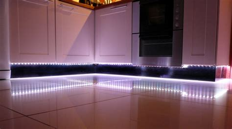 lumi鑽e cuisine led eclairage sous meuble haut cuisine eclairage de meuble connectable eclairage led sous meuble cuisine lumi nolte cuisine alpha lack nolte cuisine