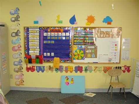 6 best images of preschool chart examples circle 249 | circle time preschool room ideas 540371