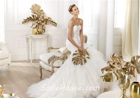 Fitted Mermaid Sweetheart Lace Layered Tulle Wedding Dress