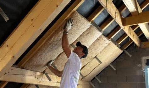 isolation sous toiture isolation du grenier par la sous toiture