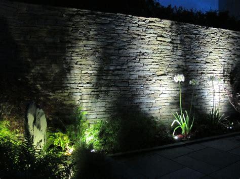 Beleuchtung Mauer Garten Wohndesign