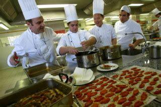 commis de cuisine marseille cuisinier lycée technique hôtelier à marseille