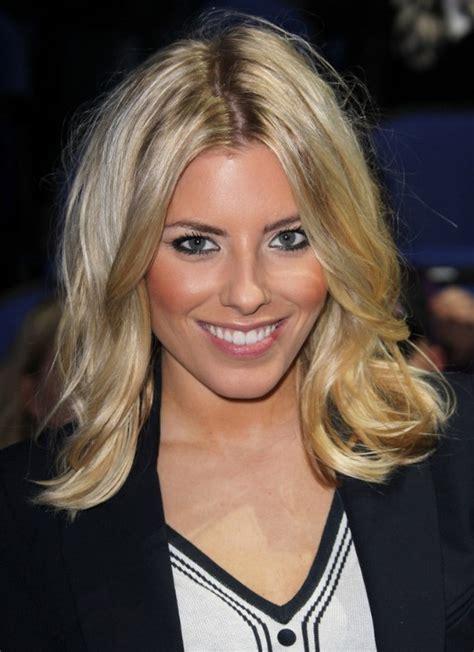 celebrity medium blonde wavy hairstyle hairstyles weekly