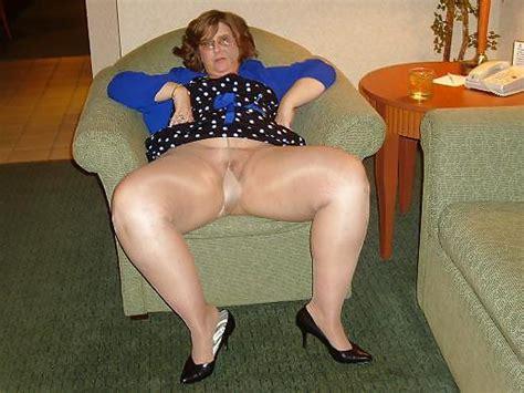 tights nylons heels pantyhose mature granny 5 pics