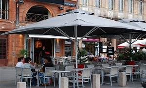 Parasol De Terrasse : grand parasol de terrasse id es d coration int rieure ~ Teatrodelosmanantiales.com Idées de Décoration