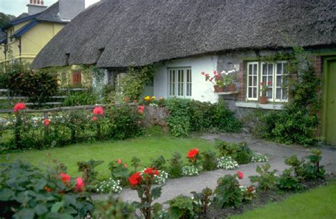 garden landscaping ideas to help create an outdoor