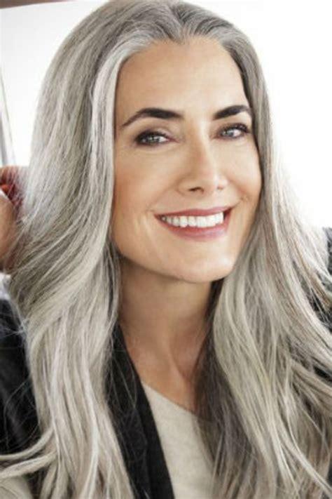 coupe de cheveux mi long femme  ans coiffure simple