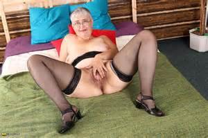 Horny Granny Toy Fuck Her Hairy Snutch Photos Lisa