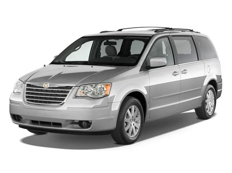 2010 Chrysler Town & Country Reviews And Rating  Motor Trend