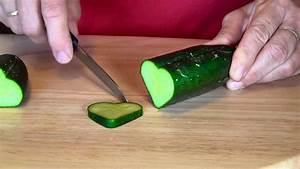 Gemüse Krokodil Anleitung : herzgurke salatgurke herz gurke gem se garten gesund cucumber dekoration youtube ~ Markanthonyermac.com Haus und Dekorationen