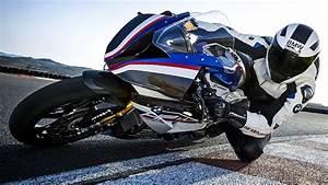 Bmw S1000rr 2017 : bmw hp4 race 2017 bmw s1000rr 215hp wheelie ~ Melissatoandfro.com Idées de Décoration