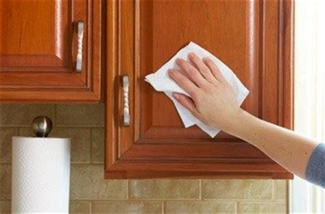 Cleaning Wood Cupboards by Cleaning Kitchen Cabinets
